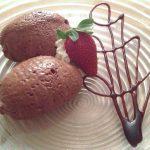 Schokomousse und Erdbeere