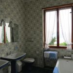 Villa Morissolina Blue Bathroom
